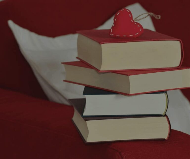 25 Practical Examples of Grace for Bookworms – Guest Post by Aryn, The Libraryan