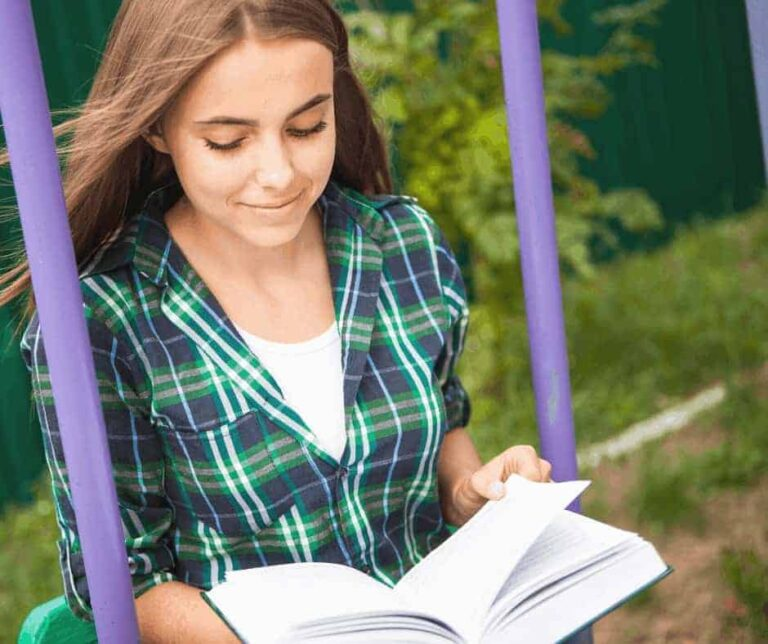 12 of the Best Teen Bibles for the Precious Girls in Your Life